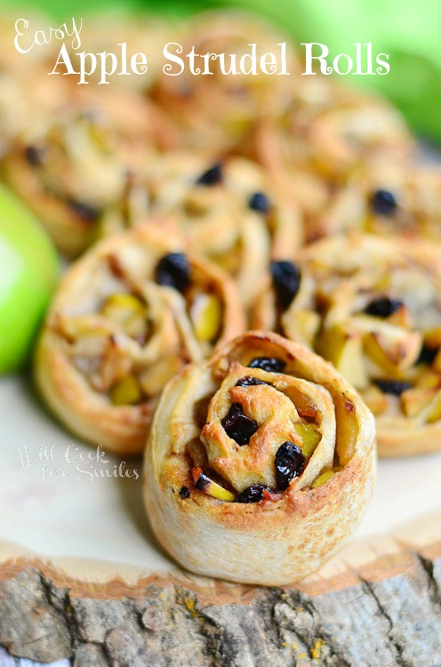 Easy-Apple-Strudel-Rolls-1-c-willcookforsmiles.com-apple-strudel-fallrecipes
