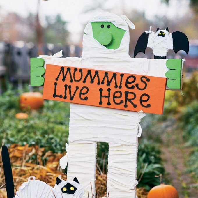 20 Spooktacularly Halloween Crafts