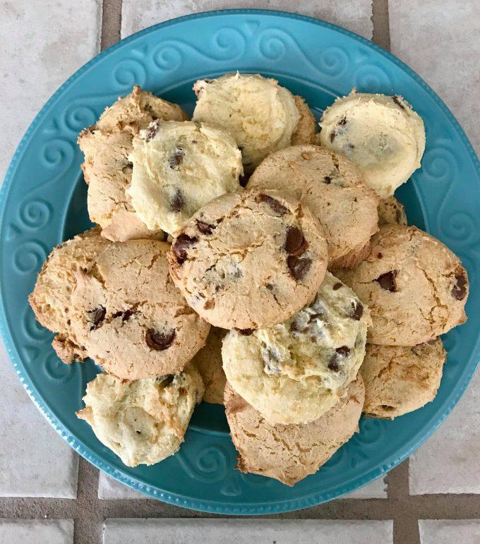 chocolate chip cake cookies